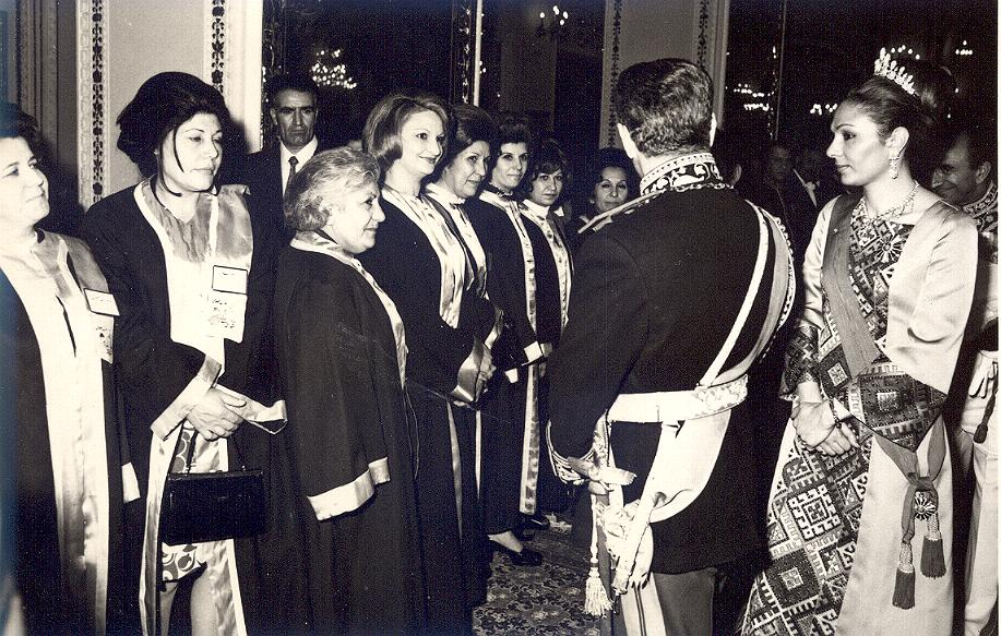 Nossrat Taslimi (Hakimi) with other lady magistrates, audience with Mohammad Reza Shah and Queen Farah Pahlavi